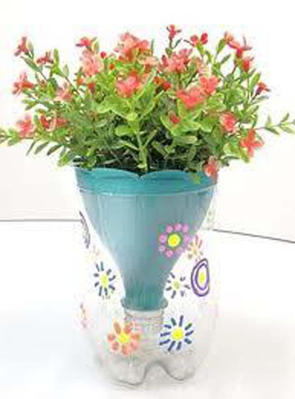 Reciclado de botellas de plastico jarrones y macetas 3 for Manualidades de jardineria