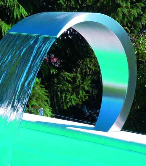 Artistic water curtain