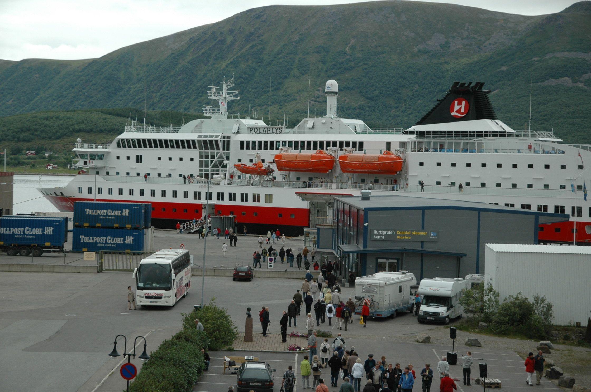 Hurtigruten in Stokmarknes, Norway. Photo by bestnorwegian.com