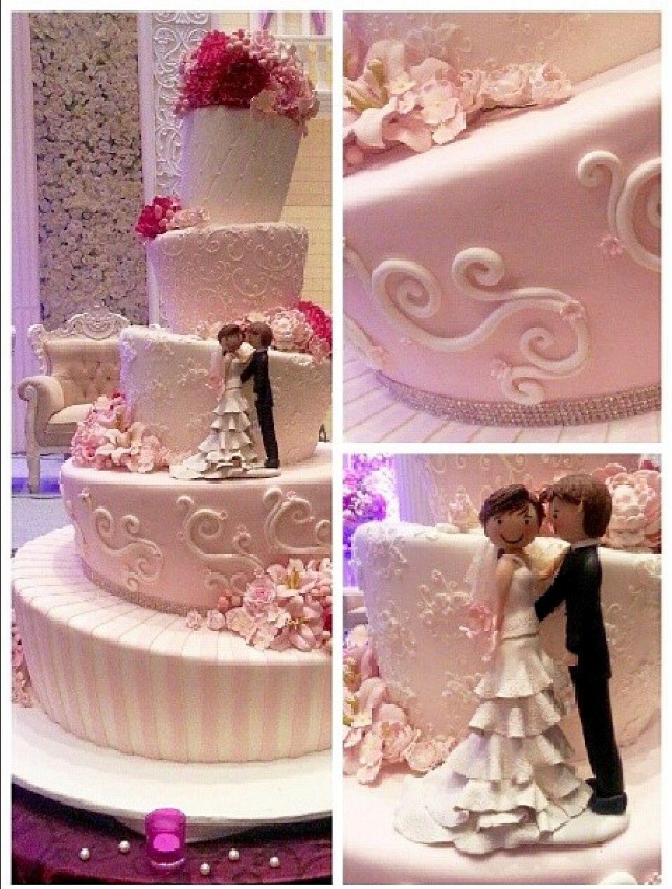 Stunning Wedding cakes, Cathedral wedding