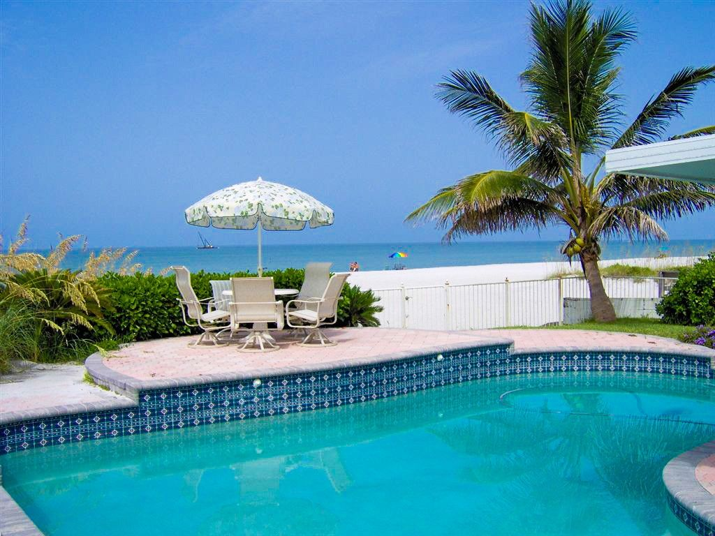 Strange House Vacation Rental In Clearwater Beach From Vrbo Com Beutiful Home Inspiration Ommitmahrainfo