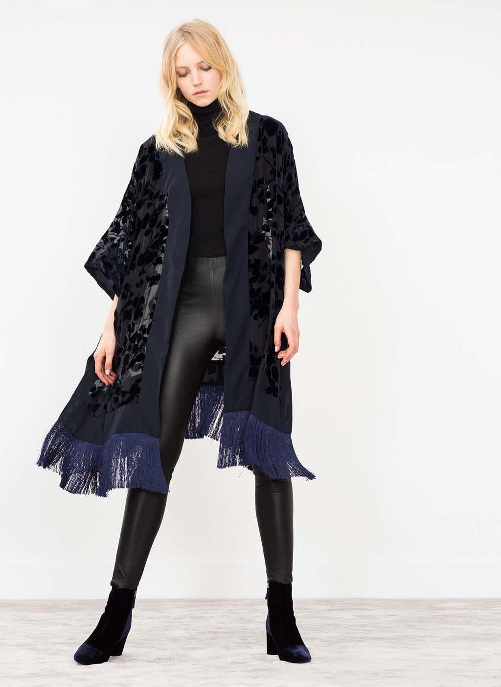 Kimono de terciopelo y flecos en negro y azul 8b6c094700f