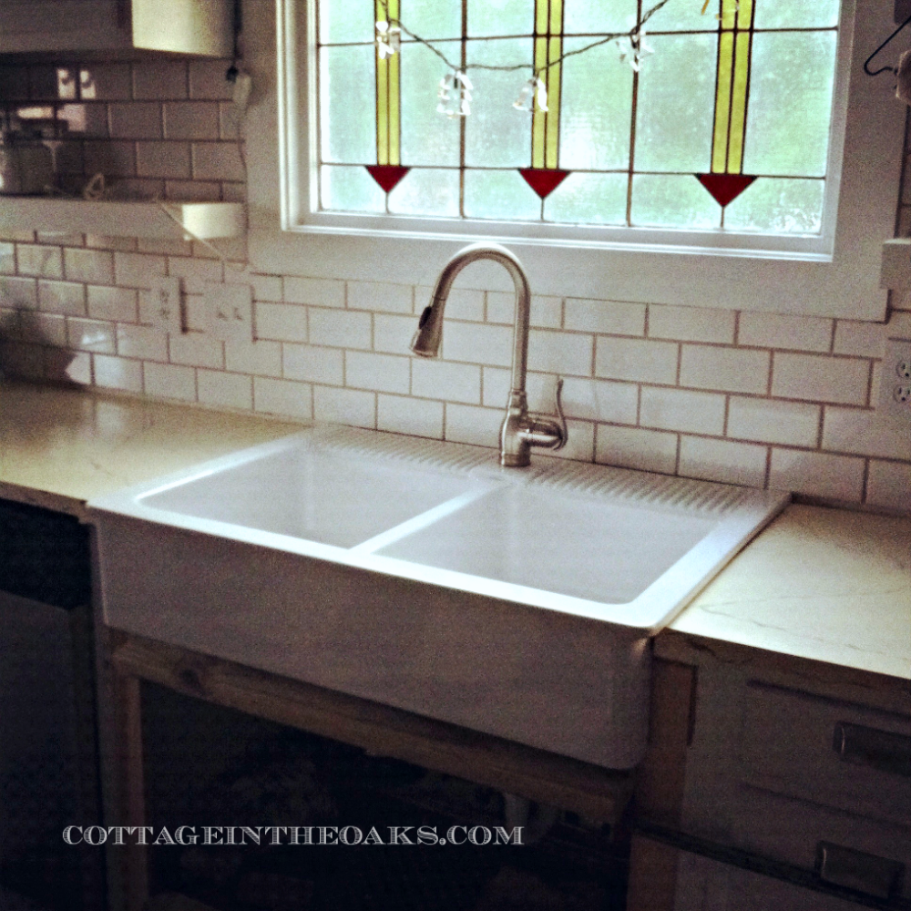 stunning White Farmhouse Sink with white ceramic