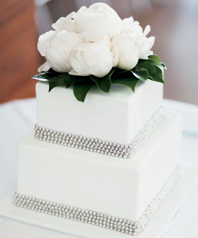 Wedding Ideas Queensland: Simple But Classy #wedding #cake