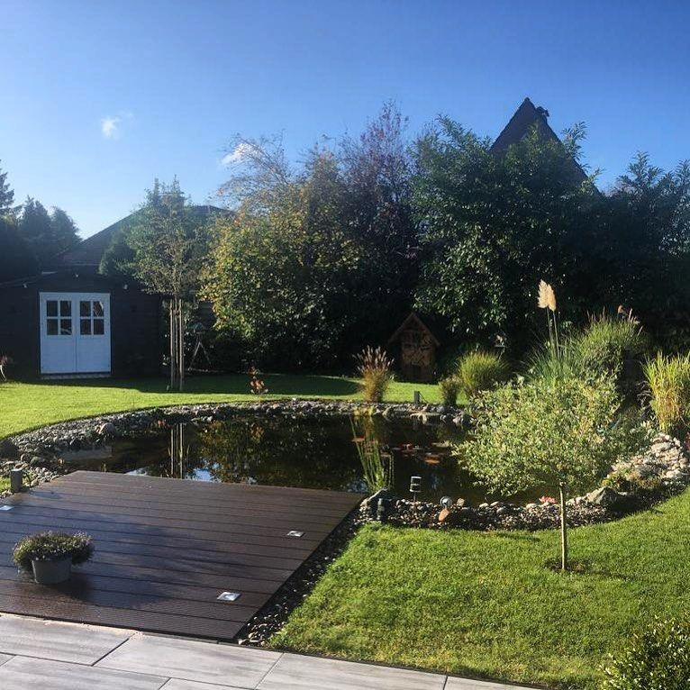 Still Ruht Der Gartenteich Gartenteich Garten Teich