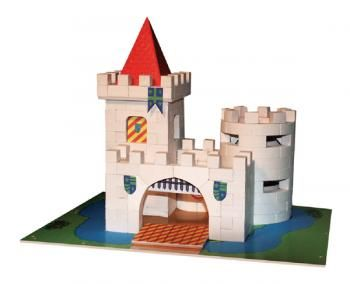 Construcion kit with real bricks of a castle. The building blocks can be reused because the cement is dissolved in water. Contains: construction bricks, cement , wood building components, spatula, bowl, plate and a foam board with figures.