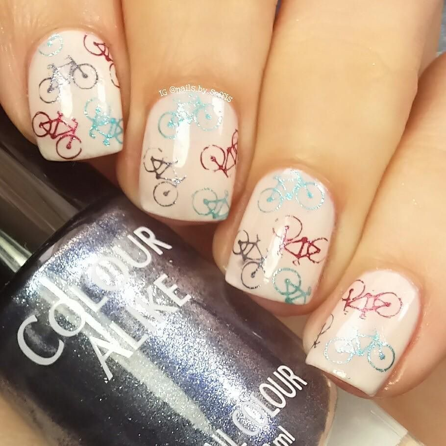 """Hi guys!  To do this New manicure I used: -  Lottie London """"Bring me joy"""" available on  @lottielondon_spain @lottielondon_spain  (Links to buy  www.estileshop.com or www.primor.eu) -  Stamping plate BBF 51 available on  @bbfnailart  (Link to buy  www.bbfnailart.com). -  Colour Alike """"Rudolph"""" (red) Colour Alike """"Holy Night"""" (dark blue) and Colour Alike """"Aurora"""" available on my favourite nail art store online  @entrelazosytelas @entrelazosytelas  (Use my code SOFFIS for a 15% off in your…"""