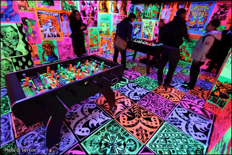 Black Light Bedroom Ideas Part - 26: Psychedelic Blacklight Game Room