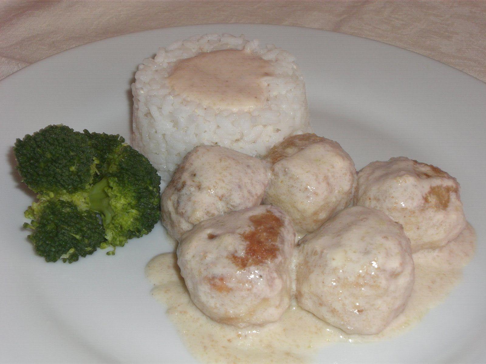 Alb ndigas de pollo en salsa de queso utilizando thermomix cocina f cil y barata thermomix - Cocina facil y saludable thermomix ...