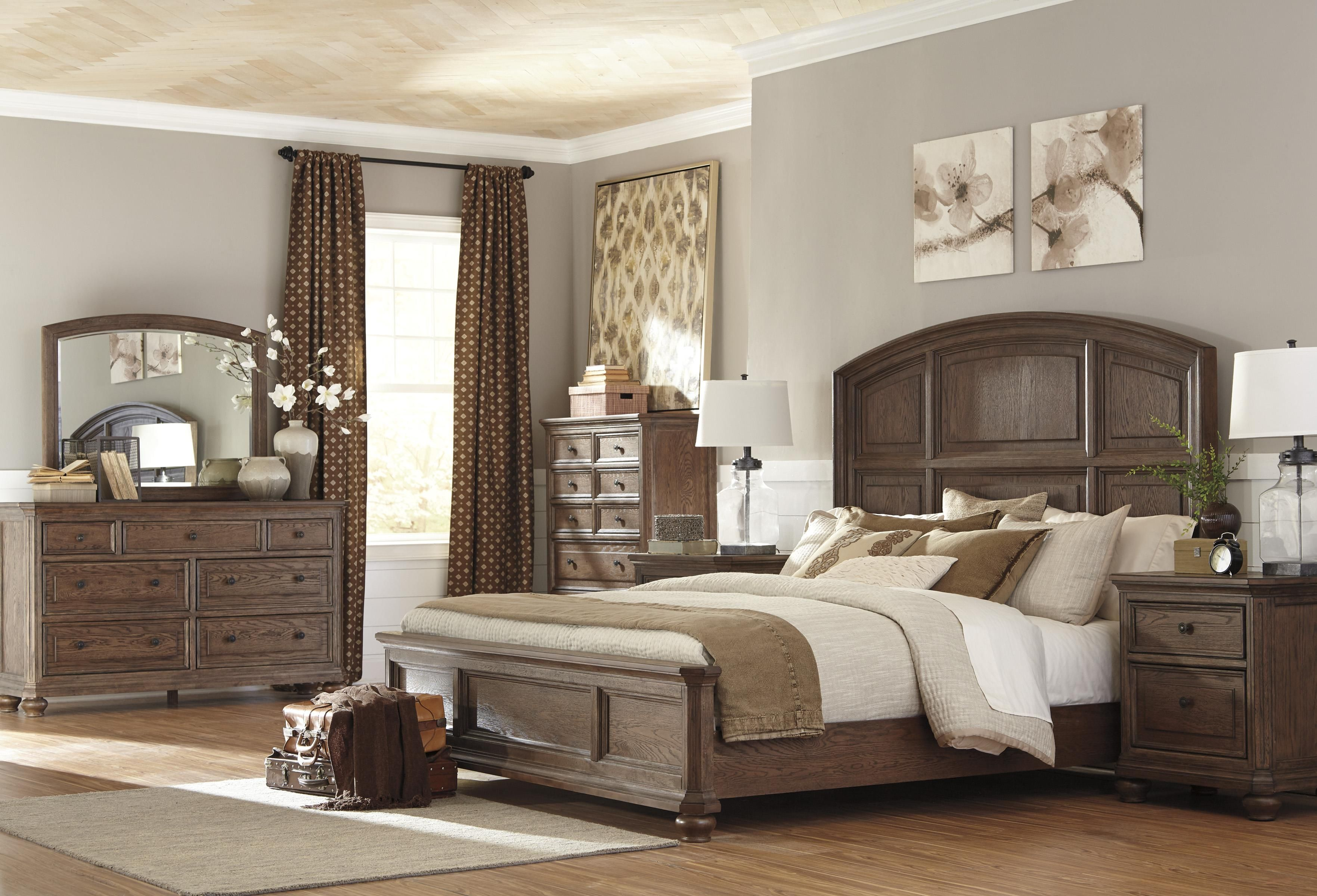 Maeleen Queen Bedroom Group by Signature Design by Ashley