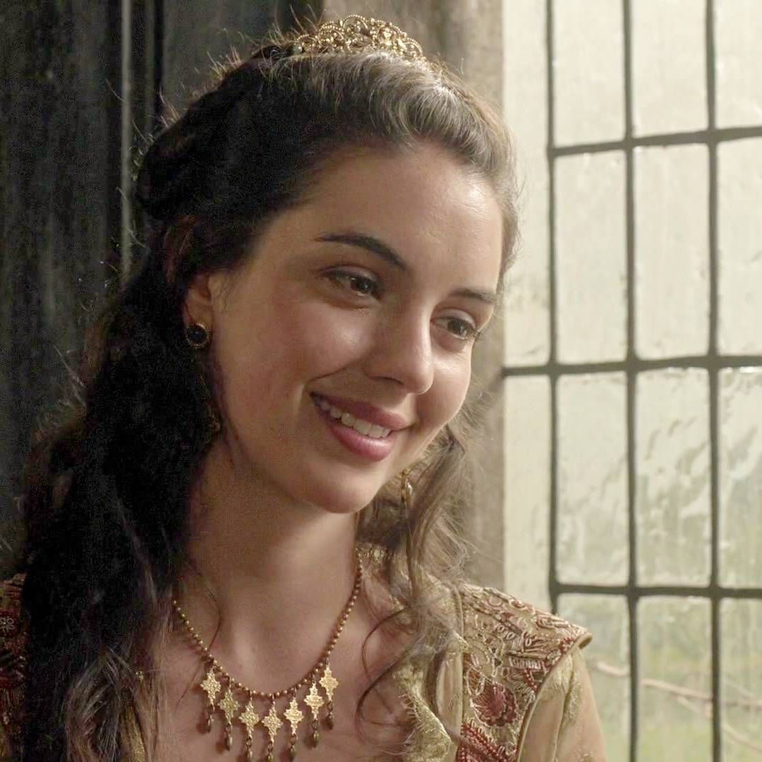 Mary having girl talk with Greer & Baby Rose  #Reign