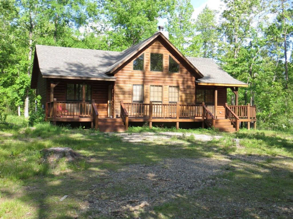 Cabin vacation rental in broken bow from