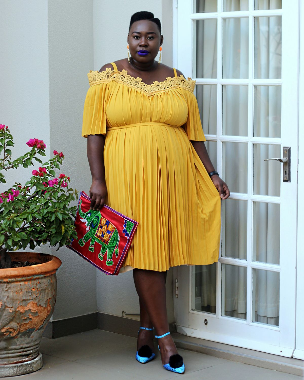south africa fashion week outfit, plus size yellow dress, eloquii yellow dress, plus size fashion week streetstyle 01