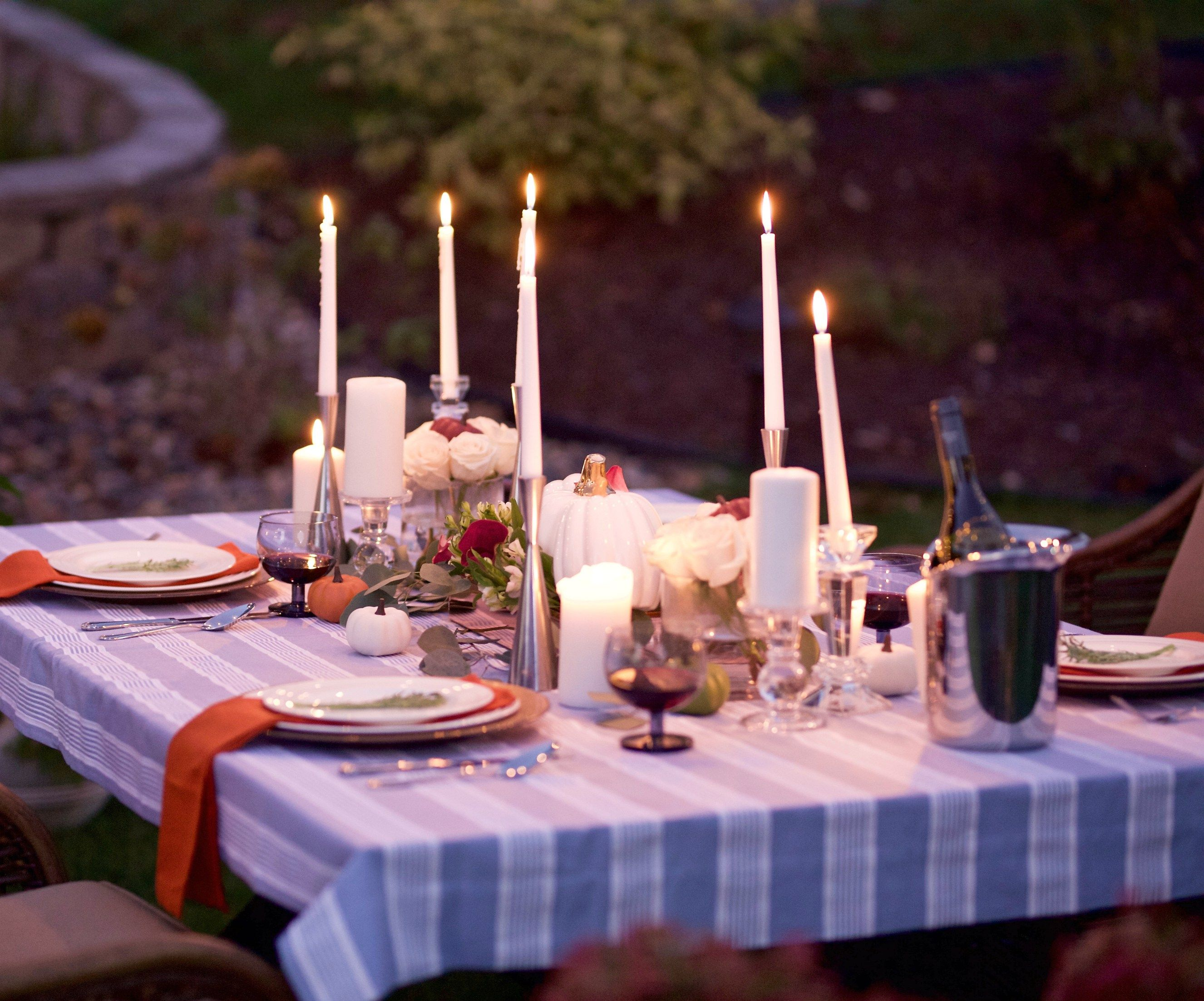 DINNER BY CANDLELIGHT IN THE GARDEN | Victoria Lambert