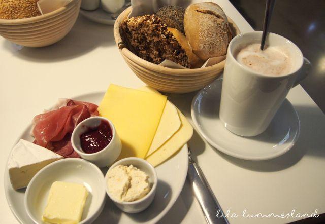 """Frühstück im """"Zeit für Brot"""" in Köln #breakfast #zeitfürbrot #cologne"""
