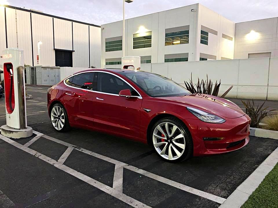 Tesla Model 3 Performance With Unique Badging Red Brake Calipers And Larger Wheels Spotted Credit Teslaownersla Via Facebook Tesla Model Tesla Tesla Car