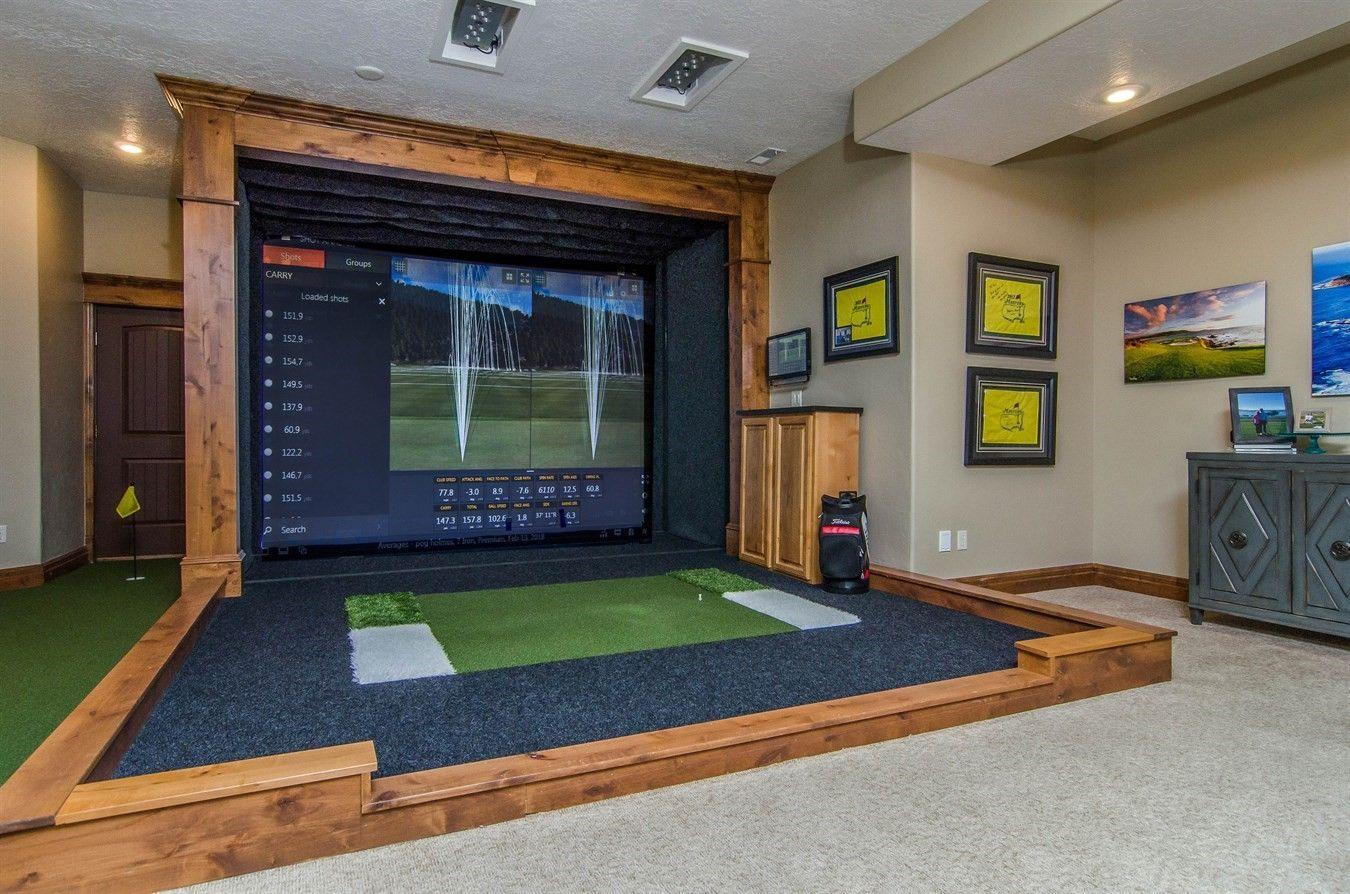 Any Golf Enthusiast S Dream Indoorgolf Golfsimulator Golf Golf Simulators Holmes On Homes Indoor
