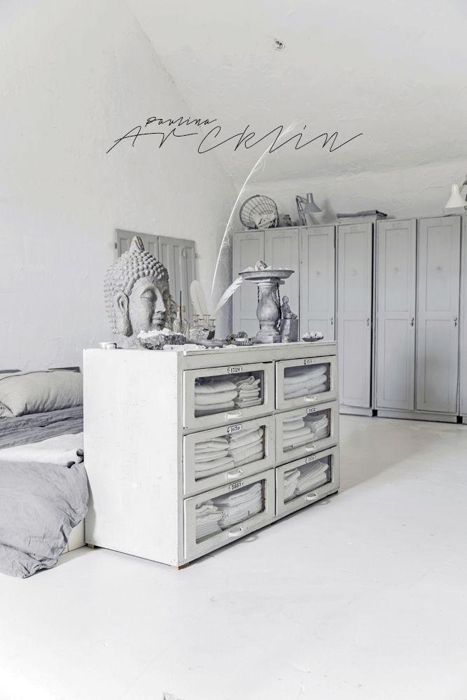PHOTOGRAPHY Lu0027AUTHENTIQUE PAINTS \ INTERIOR MYRNA HAUWERTu0027S - bohemian style schlafzimmer weiss