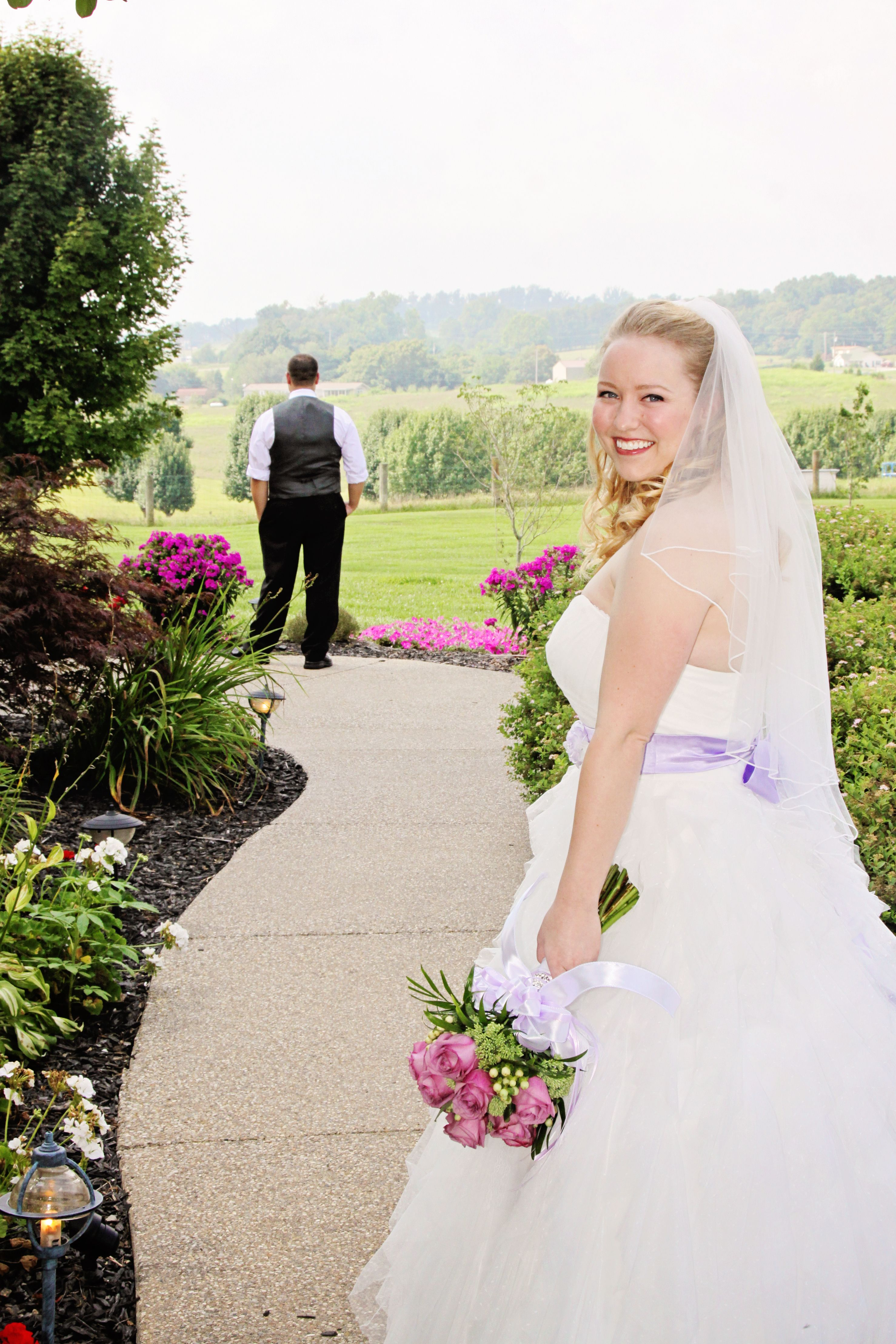 Kentucky wedding chapel elope in kentucky affordable wedding kentucky wedding chapel elope in kentucky affordable wedding packages we take care of all ombrellifo Images