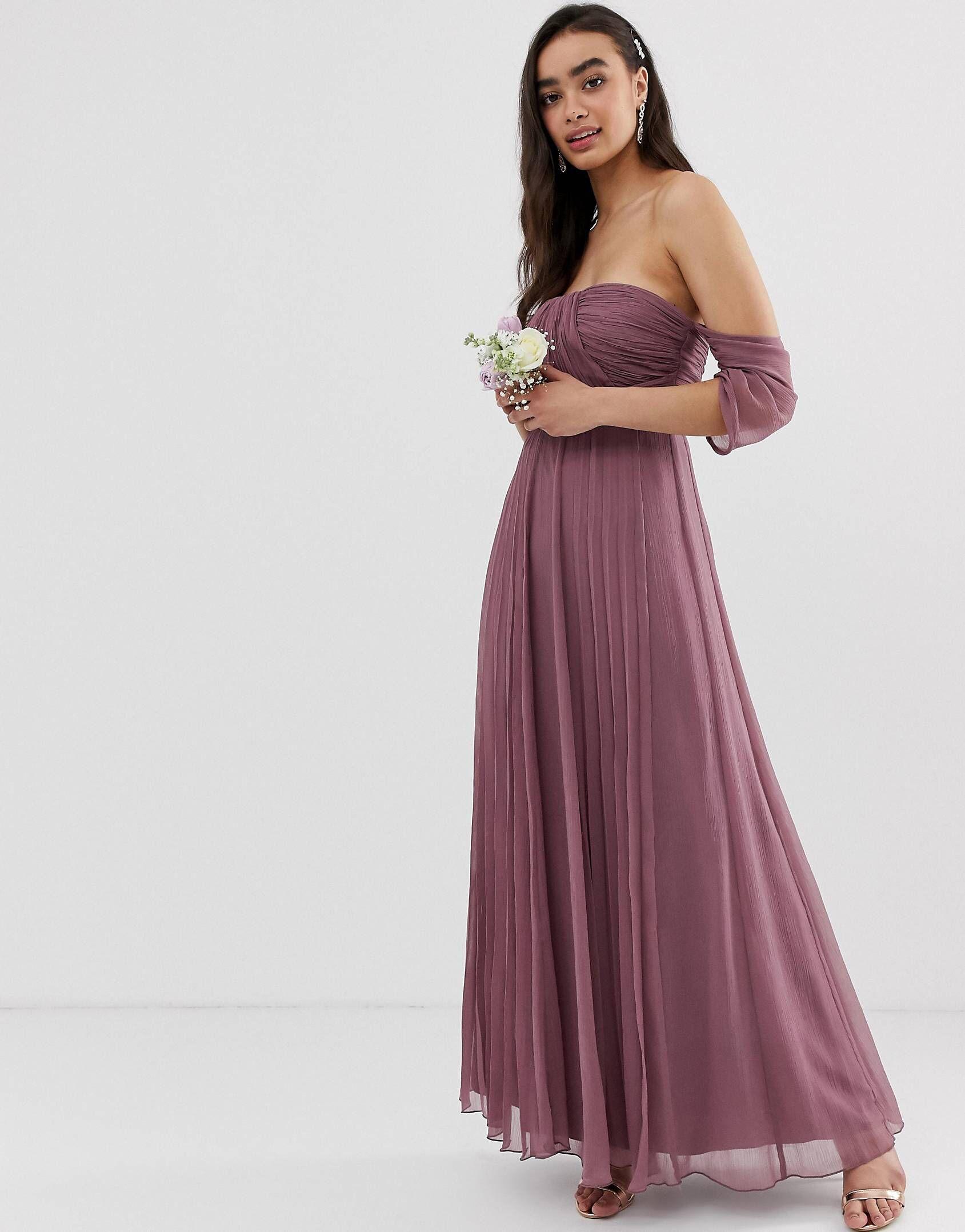 11+ Coiffure avec longue robe inspiration