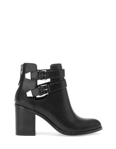bottines talon ouvertures chaussures nouvelle collection stradivarius france la chaussure. Black Bedroom Furniture Sets. Home Design Ideas