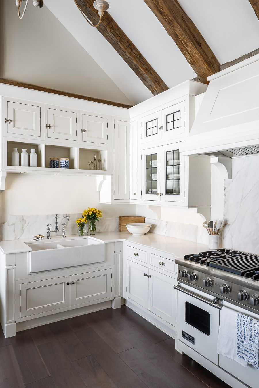 Traditional Cottage Kitchen Design Downsview Cabinetry Design: Astro ...