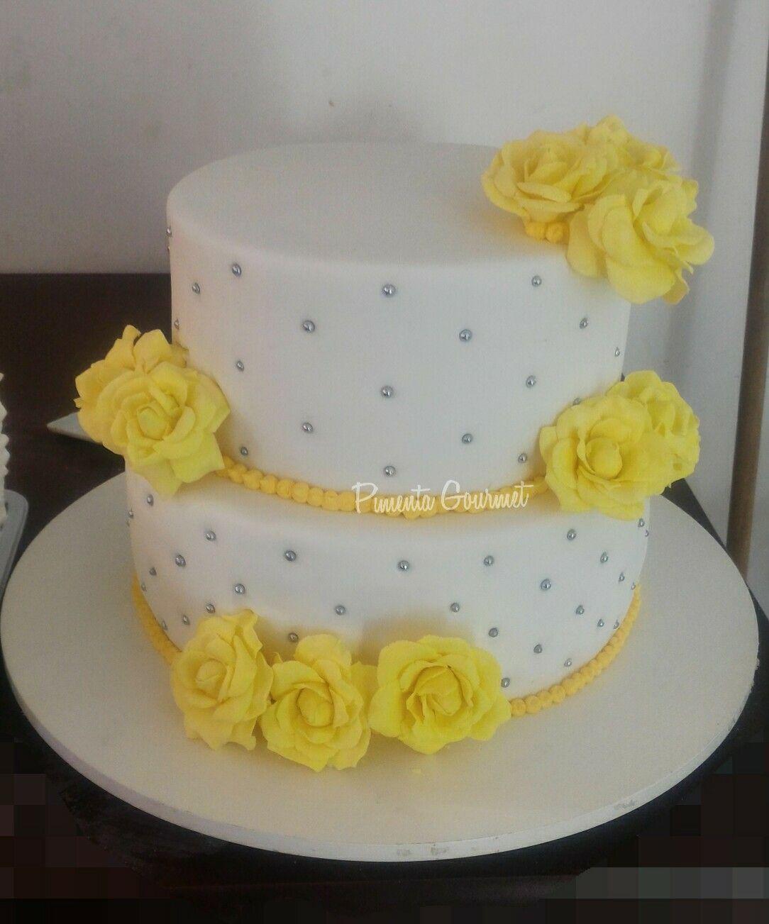 Bolo Rosas Amarelas Em Pasta Americana Bolo Bolo De Flor Glace