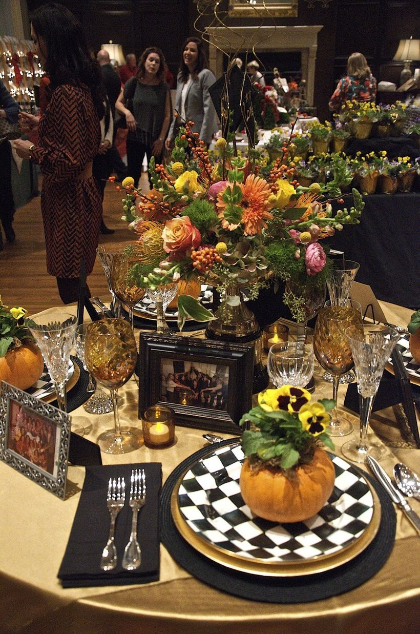 Most Trending Fall Home Decorating Ideas In 2017 That You Must See With Images Fall Table Settings Fall Halloween Decor Fall Table