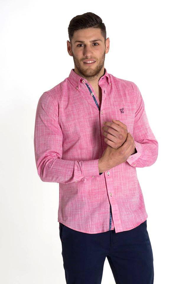 c60c20fec5 Camisa tejido fil a fil color rosa. Interior de cuello