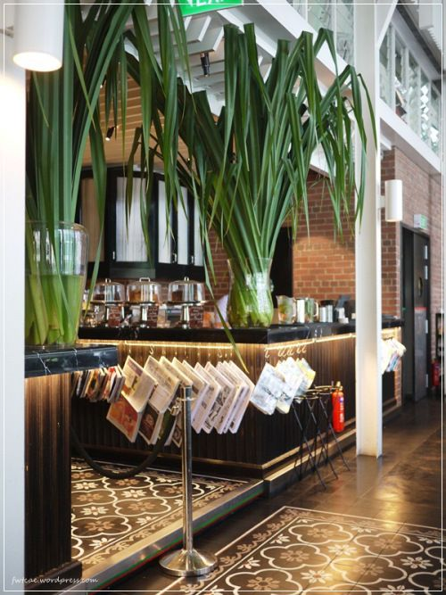 Ps Cafe Palais Food Wine Travel Cafe Plants Plant Decor Indoor Cafe Design
