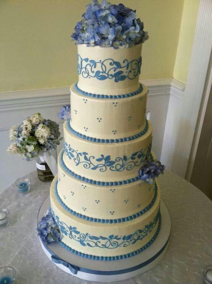 White Flower Cake Shoppe I love this Wedgewood style cake.