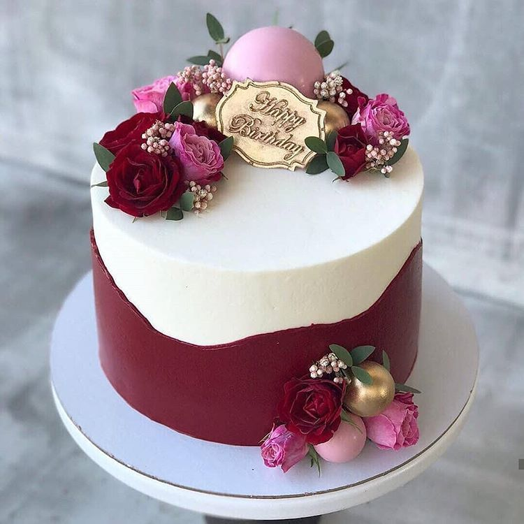 Photo of Do you like this type of decor Two layers of buttercream of dif