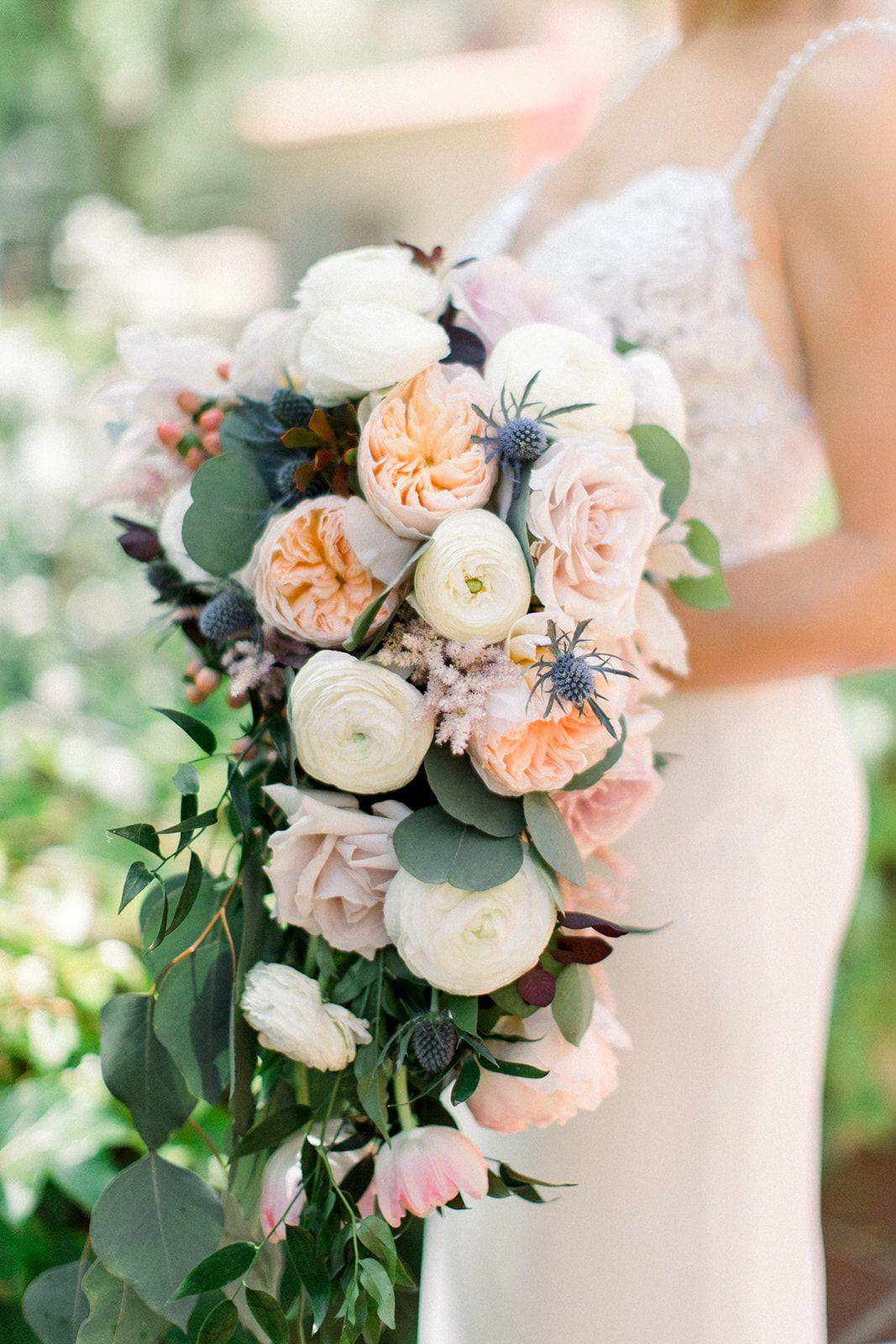 Bouquet Rancho Bernardo Inn San Diego Ca Www Sweetblossomweddings Com Weddings Bouquet Bridal Boquets Cascading Bridal Bouquets Modern Bouquet