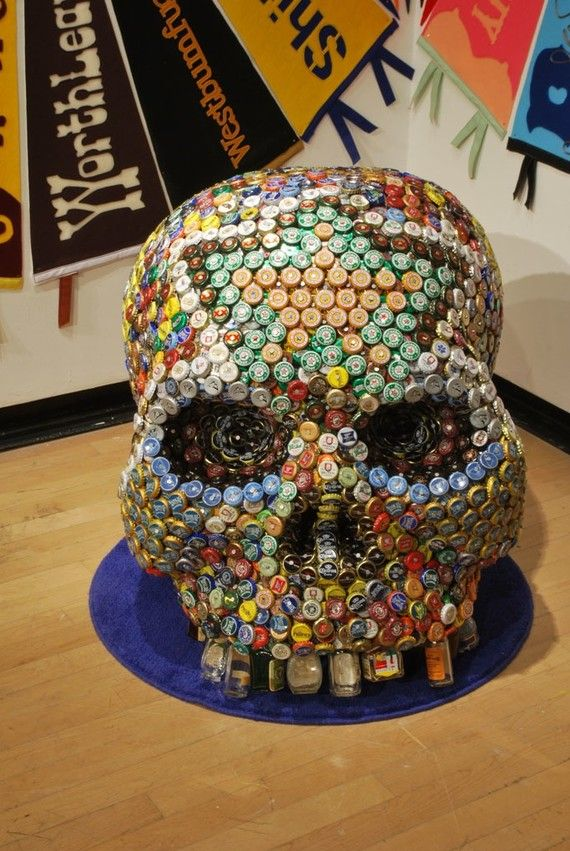 Dia de los muertos day of the dead bottle cap skull art for What to make with beer bottle caps