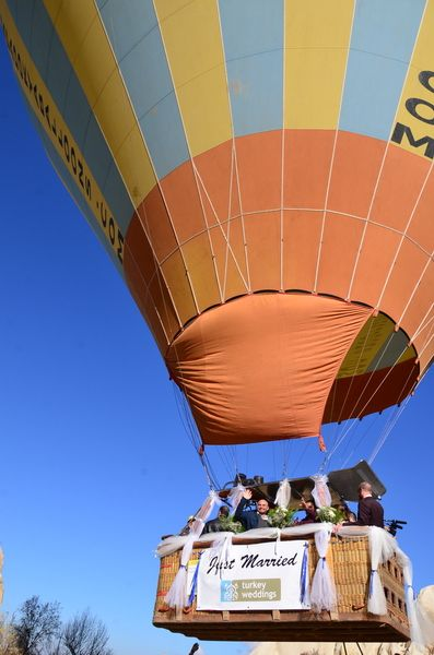 Couple & Guests are airborne to get married