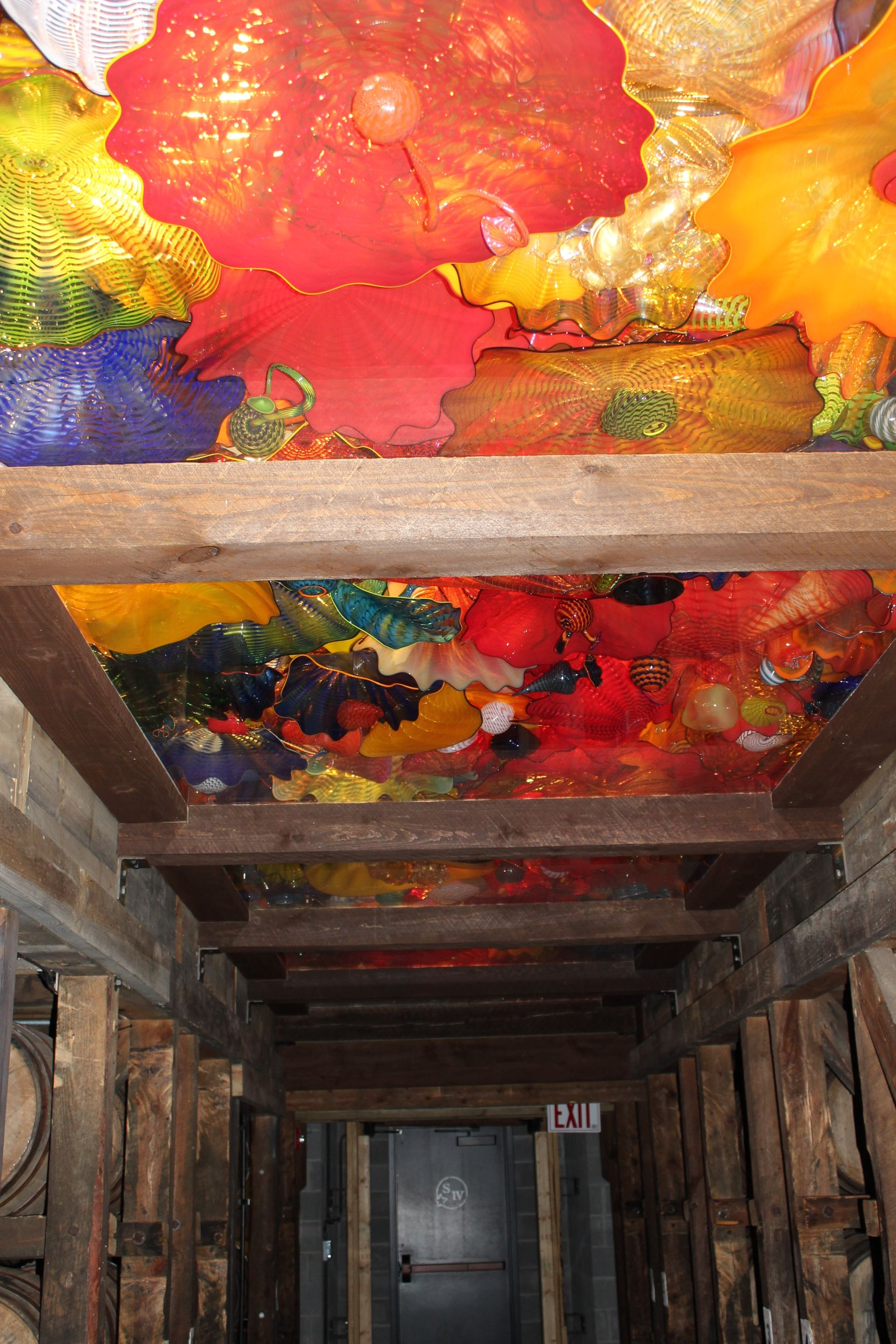 Dale Chilhuly Art At The Marker S Mark Distillery In Loretto Ky Amazing Art Chihuly Painting