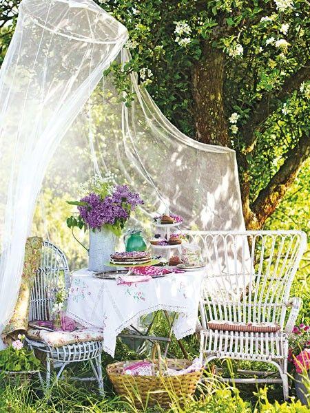 bl hende deko gartenparty ol unwetter ade moskitonetz herrlicher und fliegen. Black Bedroom Furniture Sets. Home Design Ideas