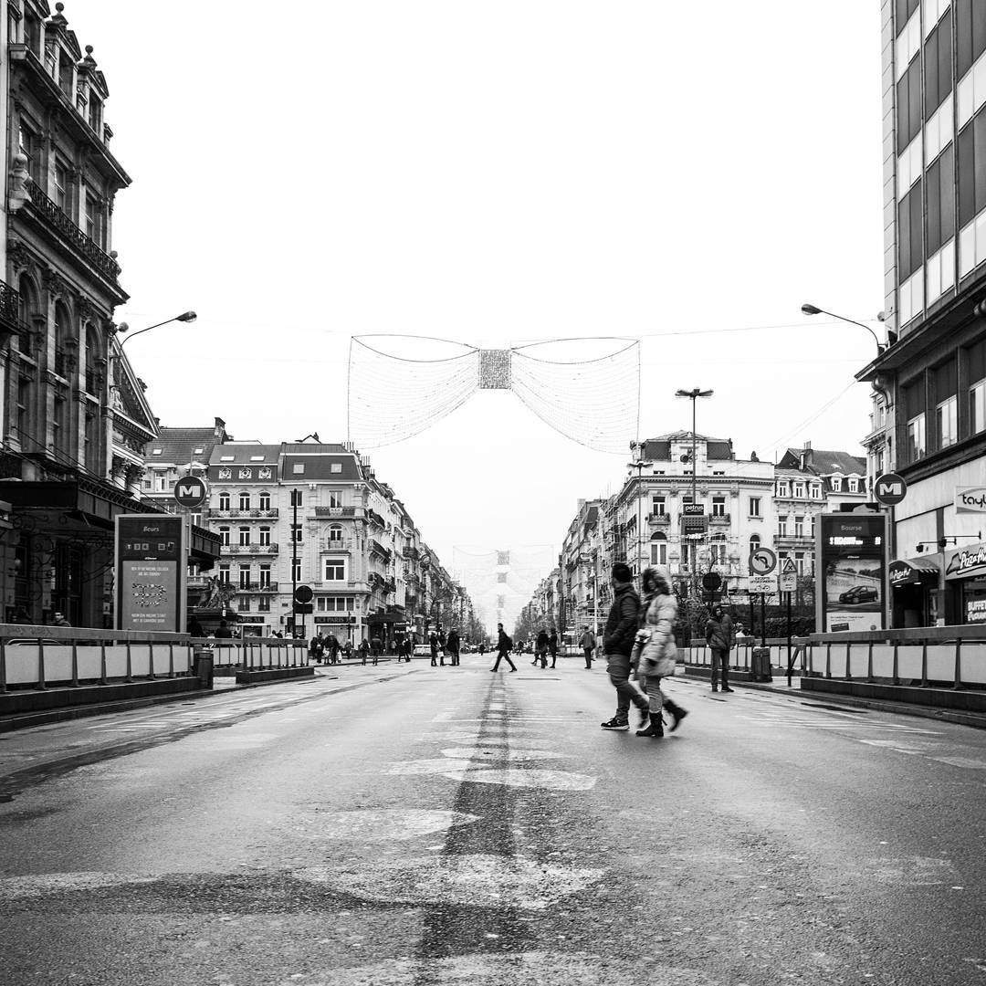 Today's #cy365 theme: space. What better homage to space than this picture where space that once was plagued by cars was given back to the pedestrians? That's what the city of Brussels did a few months back by blocking access to car traffic, essentially rendering the asphalted Anspach boulevard into a pedestrian area so that visitors actually get time to (re)discover the city at their own pace.