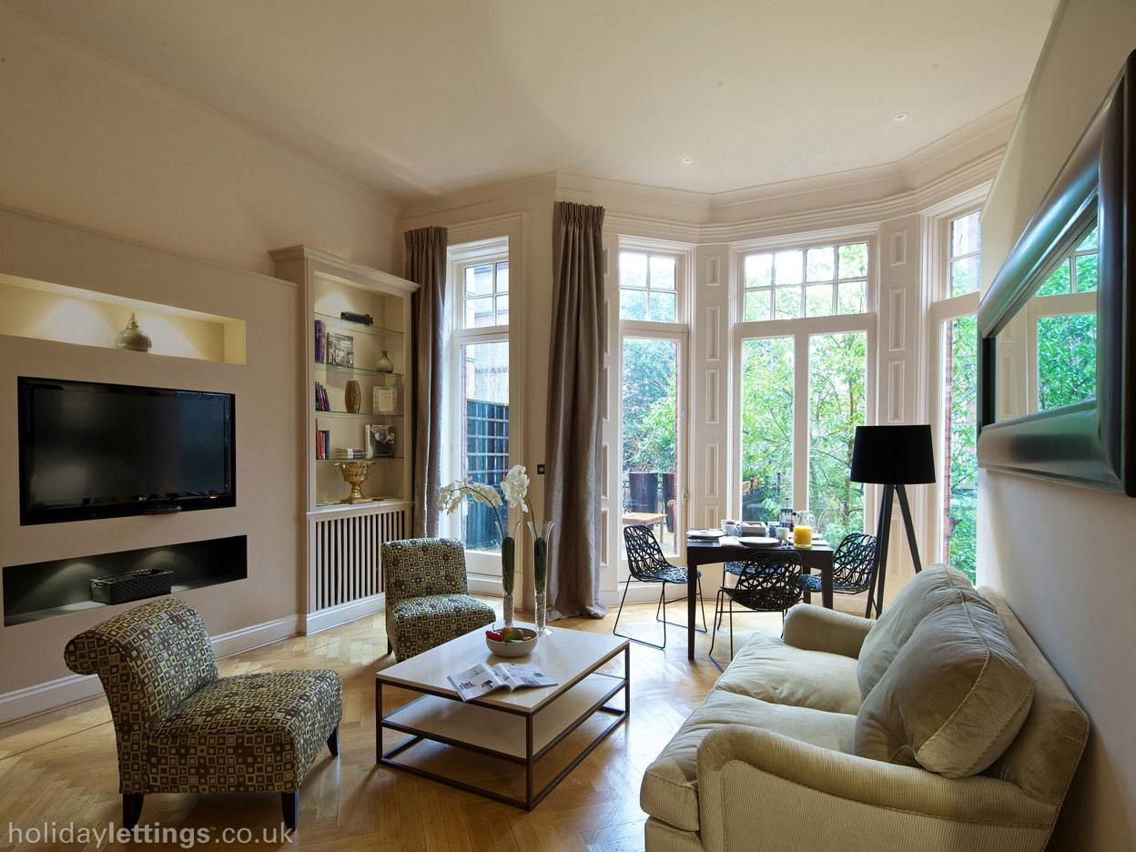 2 Bedroom Apartment In Central London Zone 1 To Rent From 1522 Pw With Balcony Terrace Phone Tv And Dvd Home Home Bedroom Townhouse For Rent