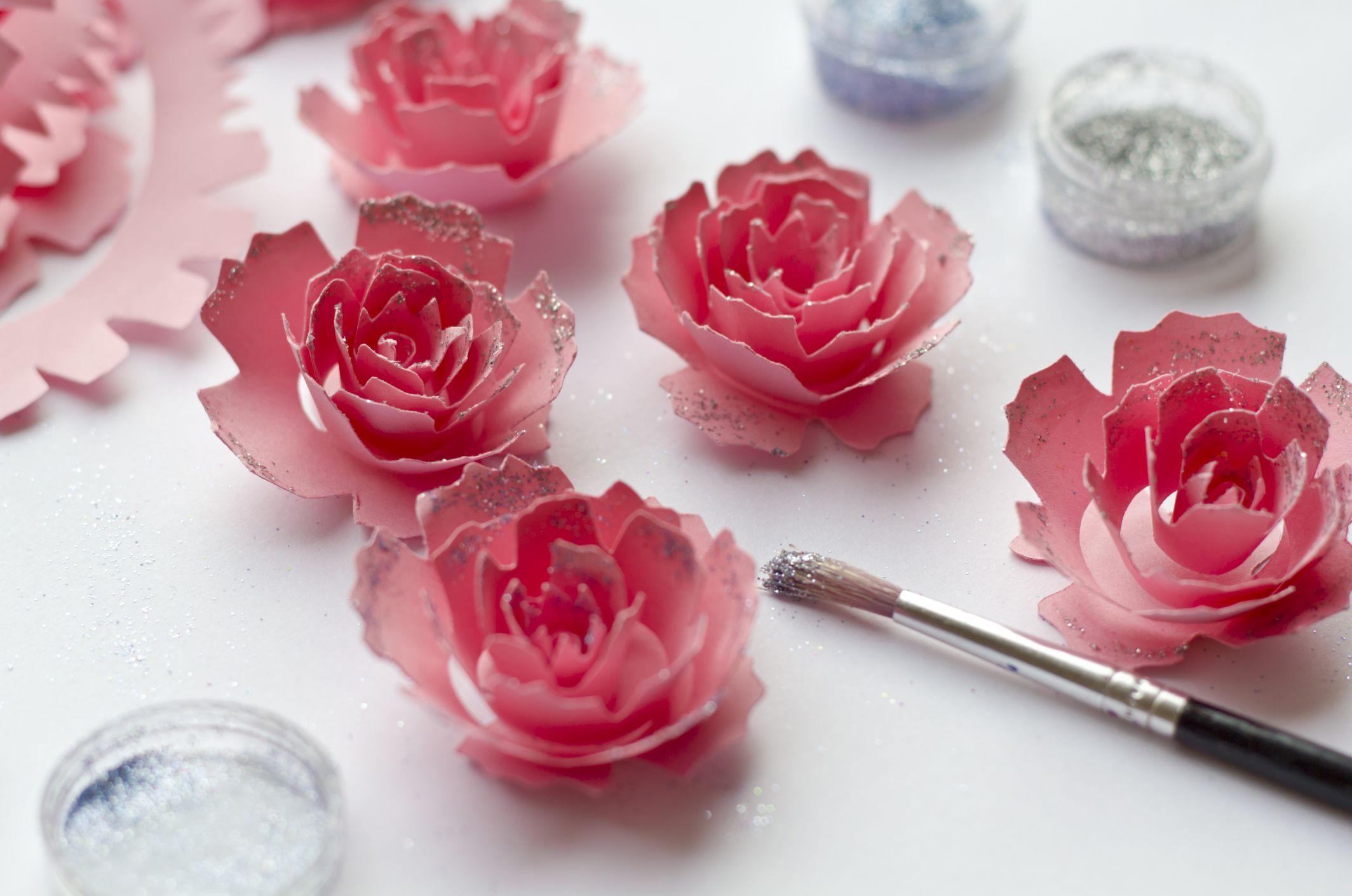 Sencillas flores en cartón