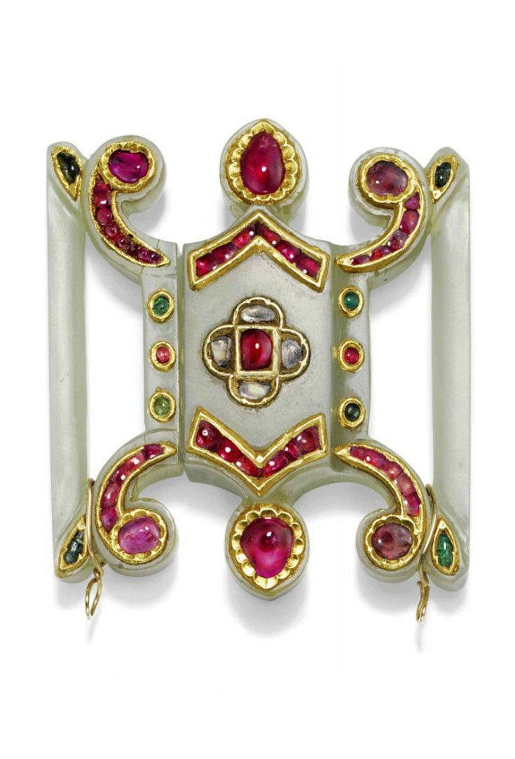 India | Mughal buckle; jade set with red, green and colourless gems | ca. 19th century | Est. 5'000 - 7'000£ ~ (June '15)