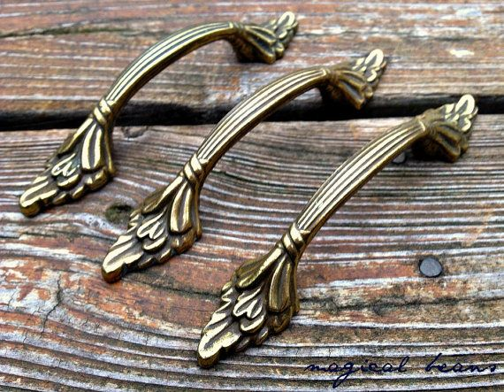 Handicraft Leaf Shape Brass with Green Patina Drawer Knobs Cabinet Dresser Pulls Vintage Wardrobe Handles Decorative Designer Handmade