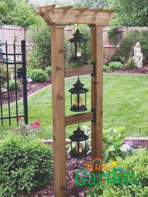 Das Ist So Suss Aber Mit Vogelfutterhauschen Und Hangenden Korben Small Front Yard Landscaping Garden Yard Ideas Front Yard Landscaping