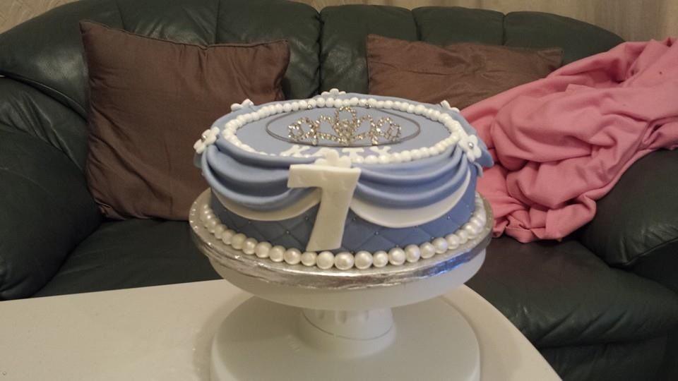 Sofia first cake minus doll