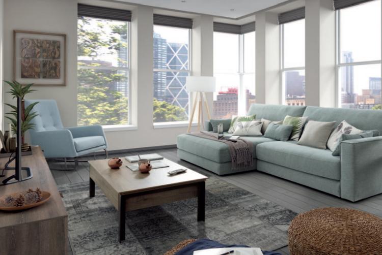 Sehr kuscheldecke-grau-wohnzimmer-hellblaues-sofa-weisse-kissen | Haus PH89