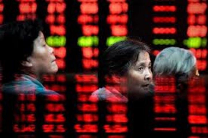 China suspends new IPOs in effort to stabilize falling stock markets