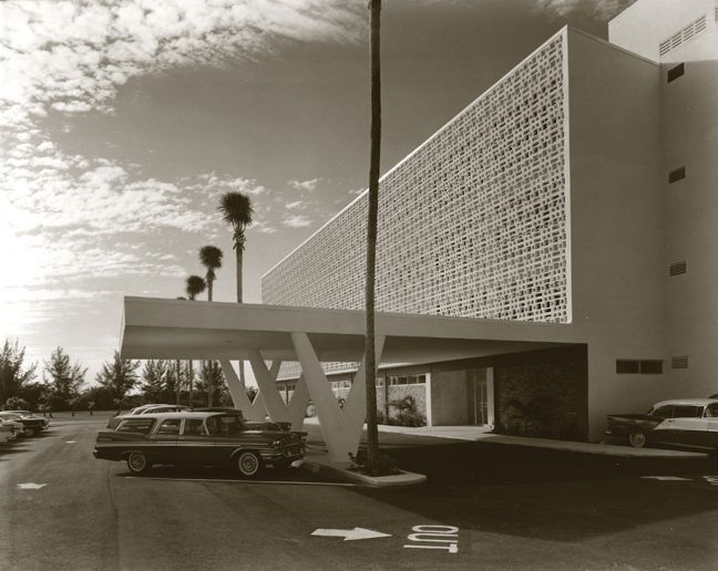 Best Tropic's Mid Century Modern Monument Of The Month 640 x 480