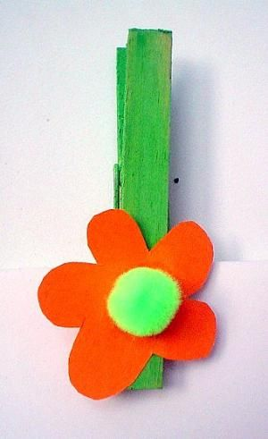 Bastelsachen3 Waescheklammer Mit Blume Blumen Basteln Blumen Basteln Mit Kindern Basteln