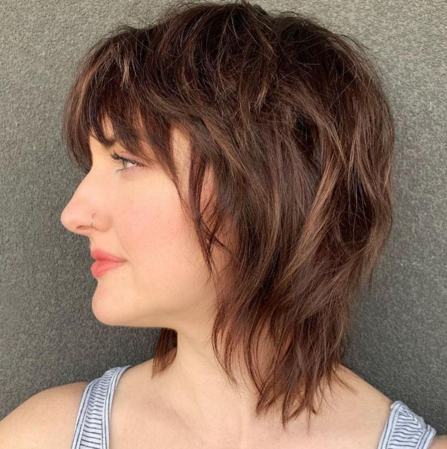 Shorter Choppy Shaggy Haircut With Bangs In 2020 Medium Shag Haircuts Shag Haircut Shaggy Haircuts