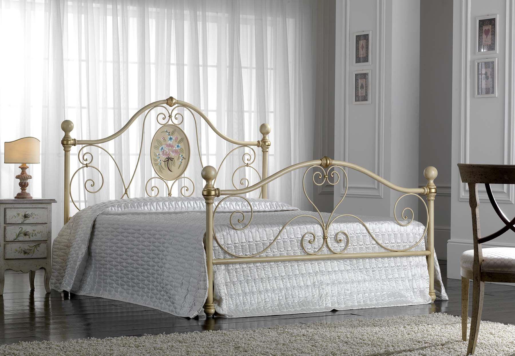 Italienisches Design Aus Schmiedeeisen Für Ihr Schlafzimmer.